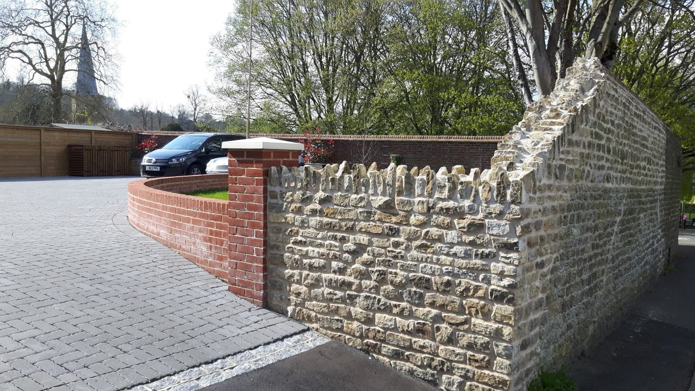 About Leith Contruction Builder Dorking Horsham brickwork stonework flintwork landscapes landscaping